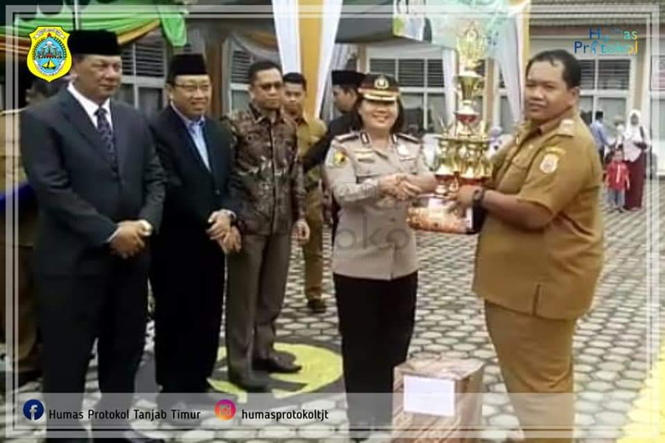 Pjs Kades Pandan Sejahtera menerima penghargaan PHBS Tingkat Provinsi Jambi
