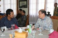 Bupati Tanjung Jabung Timur Romi Hariyanto berdiskusi langsung dengan Wamen ESDM Archandra Tahar